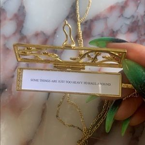Fortune & Fame Jewelry - Fortune & Frame FLOWERED VINES FORTUNE LOCKET